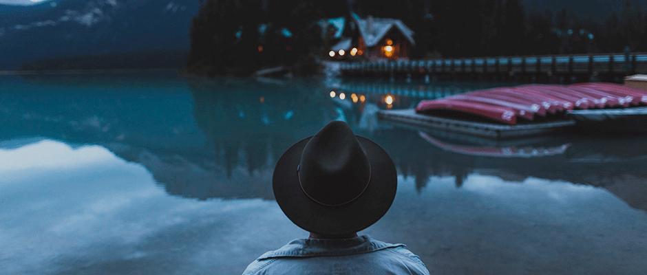 Viajar sozinho: 6 motivos para cair no mundo sem companhia