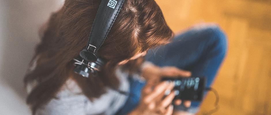 Lista: 8 podcasts para ficar informado enquanto aprende inglês